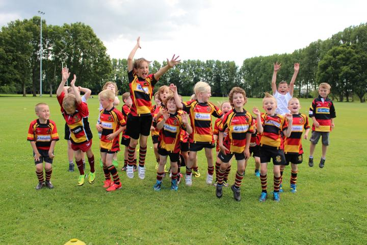 Croesyceiliog Mini and Juniors Rugby Club received new kit from Admiral Community Chest